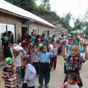 Visite de l'école d'un village de Kabre